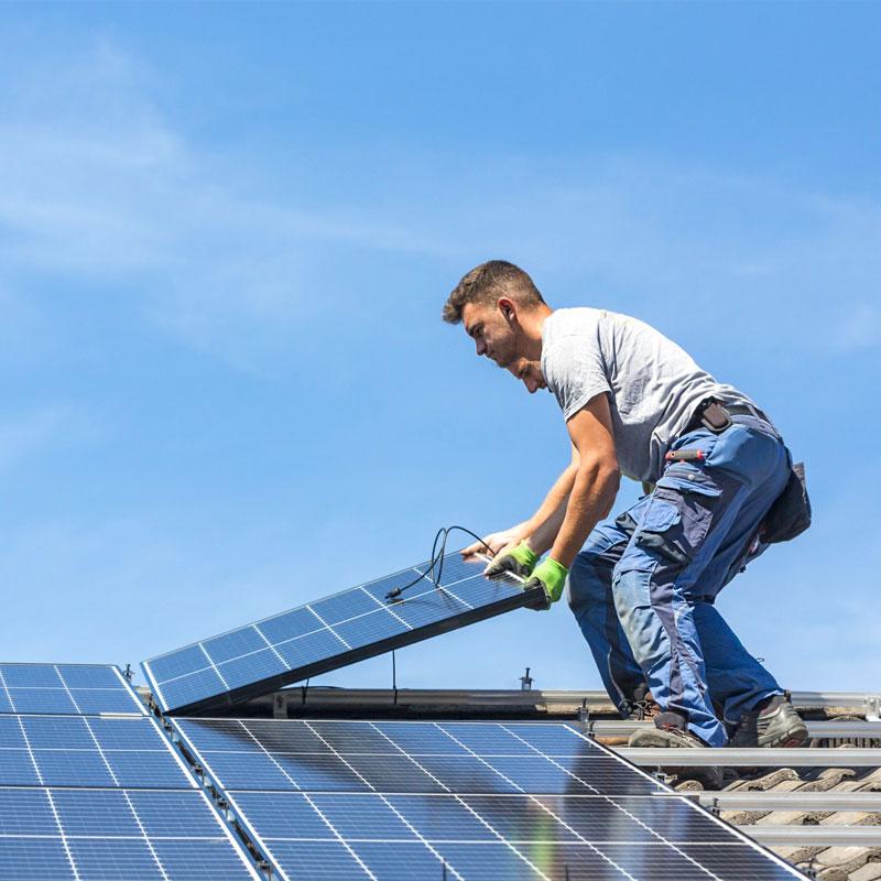 Urbandale Solar panel roofing installation