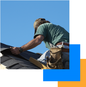 Urbandale, IA roofer installing a dark shingle roof